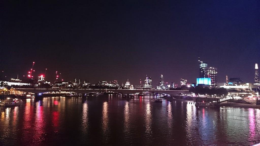 london-never-sleeps